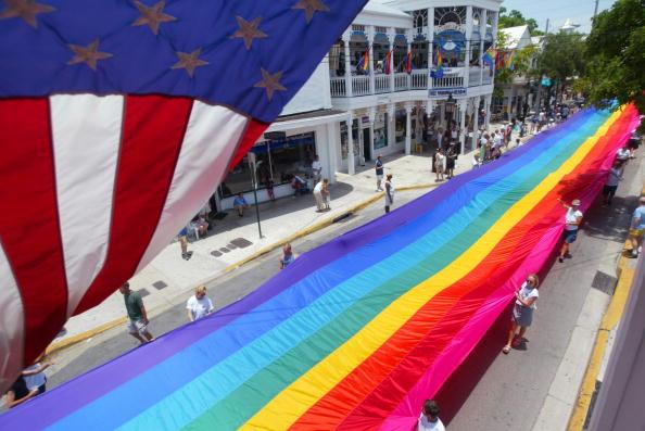 Colors「World's Longest Rainbow Flag Unfurled In Key West」:写真・画像(15)[壁紙.com]