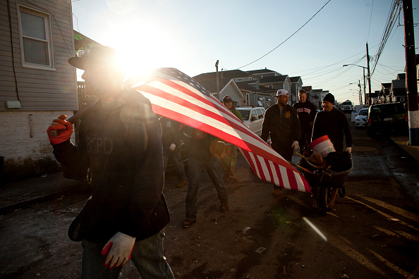 Allison Joyce「New York And NJ Residents Struggle To Recover One Week After Superstorm Sandy」:写真・画像(15)[壁紙.com]