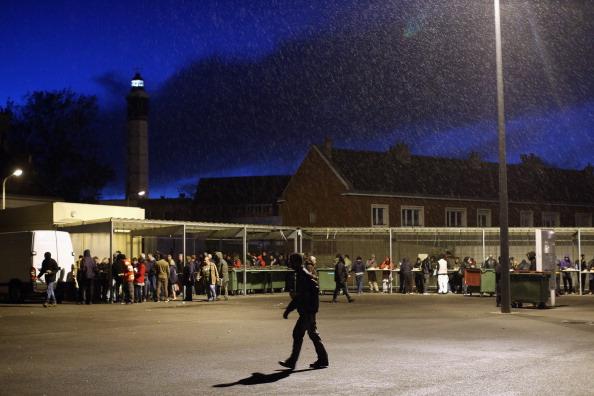 Sangatte「Migrants Gather At Calais Border Pressure Point」:写真・画像(16)[壁紙.com]