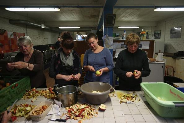 Sangatte「Migrants Gather At Calais Border Pressure Point」:写真・画像(12)[壁紙.com]