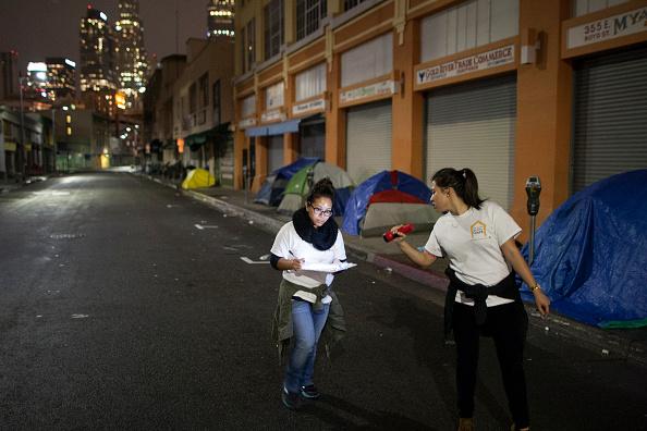 ロサンゼルス市「Volunteers Fan Out Across Los Angeles In Effort To Count City's Homeless」:写真・画像(15)[壁紙.com]