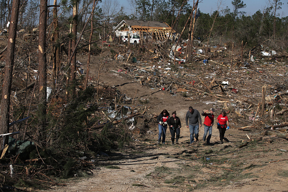 Touchdown「23 Killed As Tornadoes Sweep Across Southeast Causing Widespread Damage」:写真・画像(12)[壁紙.com]