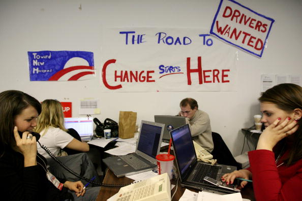 Volunteer「Iowa Hosts The First Battleground In 2008 Presidential Campaign」:写真・画像(3)[壁紙.com]