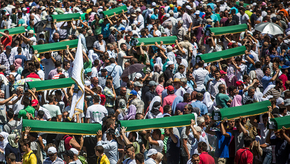 Volunteer「20 Years Since The Srebrenica Massacre More Victims Buried」:写真・画像(6)[壁紙.com]