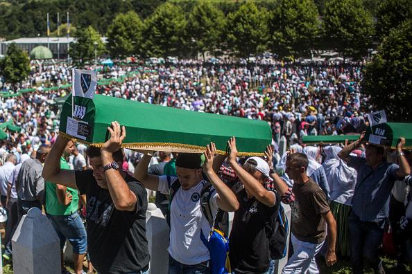 Volunteer「20 Years Since The Srebrenica Massacre More Victims Buried」:写真・画像(9)[壁紙.com]