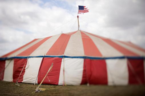 Entertainment Tent「Tattered Flag on Top of Fairground Tent」:スマホ壁紙(7)