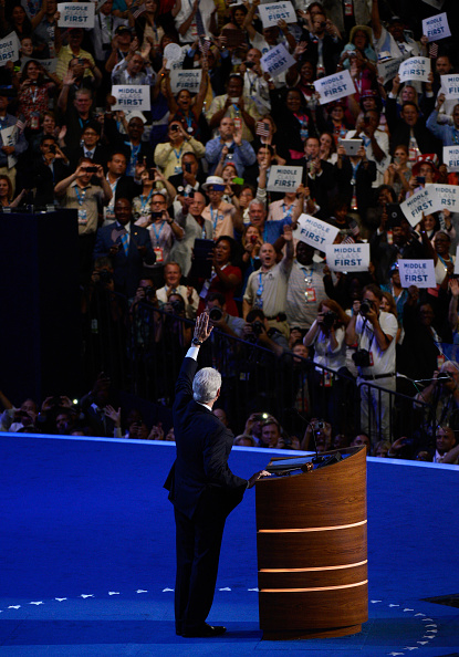 Kevork Djansezian「Democratic National Convention: Day 2」:写真・画像(3)[壁紙.com]