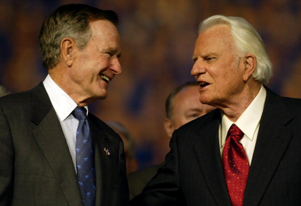 Preacher「Billy Graham Speaks At Texas Revival Meeting」:写真・画像(6)[壁紙.com]