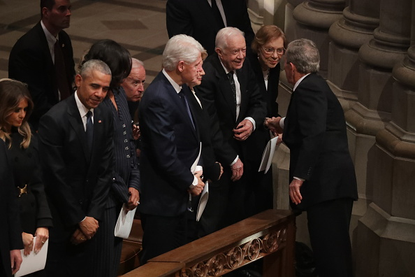Chip Somodevilla「State Funeral Held For George H.W. Bush At The Washington National Cathedral」:写真・画像(17)[壁紙.com]