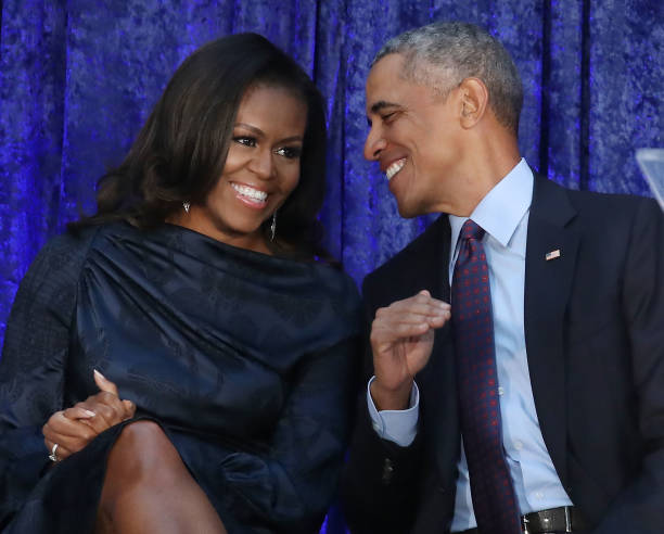 Barack Obama「Barack And Michelle Obama Attend Portrait Unveiling At Nat'l Portrait Gallery」:写真・画像(1)[壁紙.com]