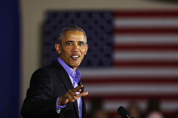 Smiling「Obama Returns To Campaign Trail At Rally For NJ Gubernatorial Candidate」:写真・画像(10)[壁紙.com]