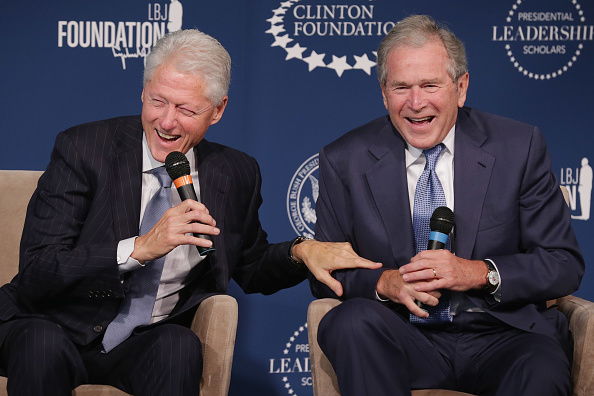 Laughing「President Clinton And President George W. Bush Launch Presidential Leadership Scholars Program」:写真・画像(16)[壁紙.com]
