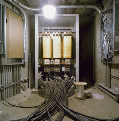 Basement「Wires plugged into transformer box in basement of building」:スマホ壁紙(9)
