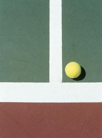 テニス「Tennis ball on court,close-up」:スマホ壁紙(16)