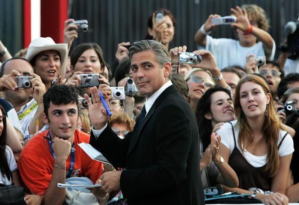 Human Arm「62nd Venice Film Festival - Golden Lion Award」:写真・画像(3)[壁紙.com]