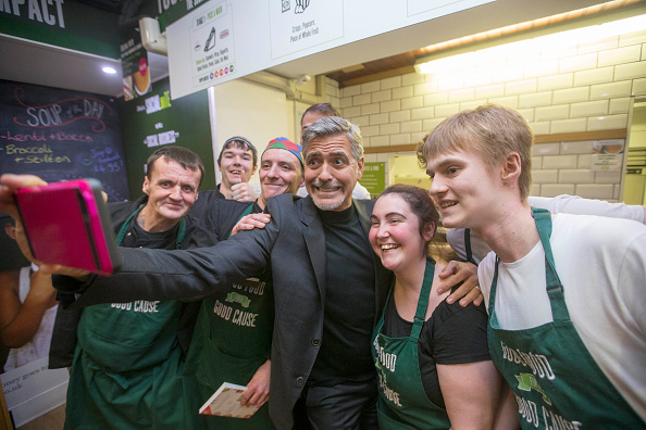 Photography Themes「George Clooney Visits 'Social Bite'」:写真・画像(4)[壁紙.com]