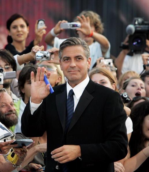 Palazzo del Cinema「62nd Venice Film Festival - Golden Lion Award」:写真・画像(16)[壁紙.com]