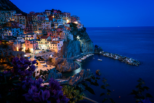 UNESCO World Heritage Site「Manarola village in the Cinque Terre at night」:スマホ壁紙(16)