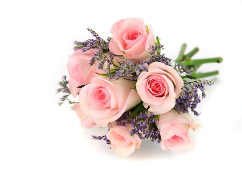 結婚「ピンクとモーブのバラのブーケ白で分離。」:スマホ壁紙(10)