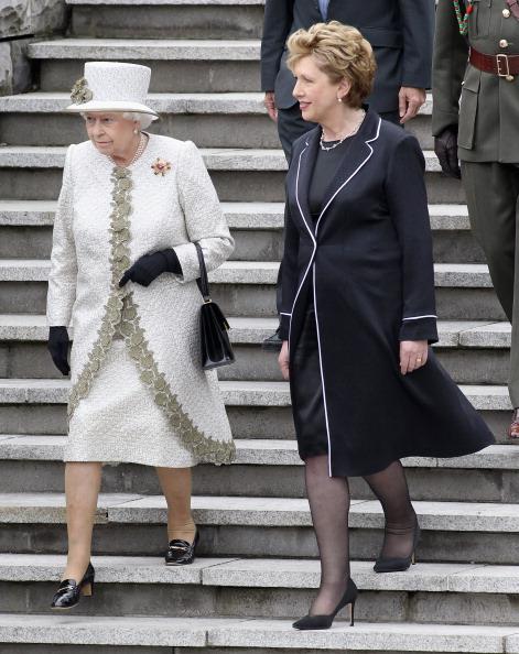 Chris Jackson「Queen Elizabeth II's Historic Visit To Ireland - Day One」:写真・画像(13)[壁紙.com]