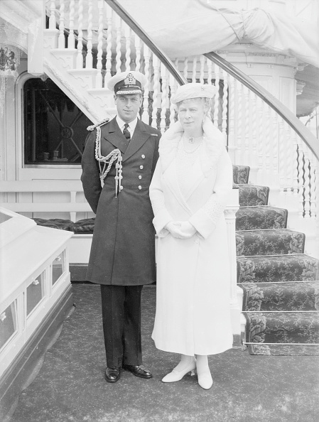Mother Board「Prince George And Queen Mary Aboard Hmy Victoria And Albert」:写真・画像(13)[壁紙.com]