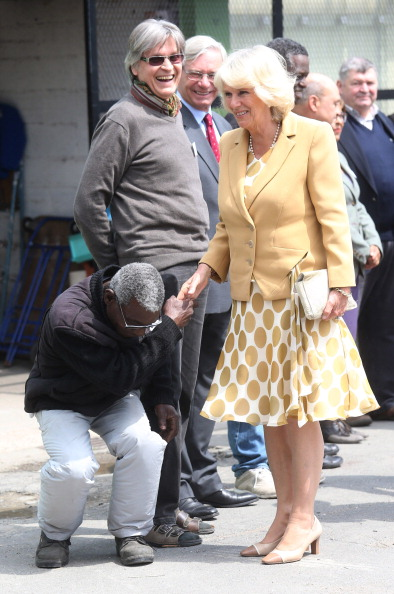 Cream Colored「The Duchess Of Cornwall Attends First Solo Overseas Engagement In Paris」:写真・画像(5)[壁紙.com]
