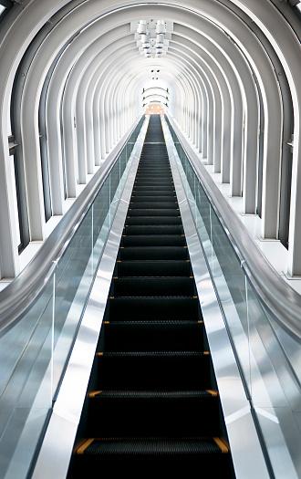 Machine Gun「Going Up: Long Escalator」:スマホ壁紙(17)