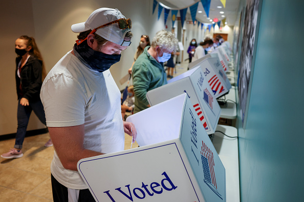 United States Presidential Election「Record Number Of South Carolina Residents Take Advantage Of Early Voting」:写真・画像(5)[壁紙.com]