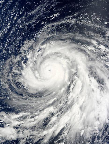 Super Typhoon Choi-wan over the Mariana Islands.:スマホ壁紙(壁紙.com)