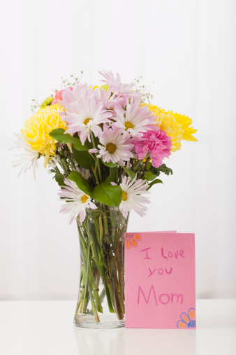 母の日「Bouquet in vase with greeting card for Mother's Day」:スマホ壁紙(12)