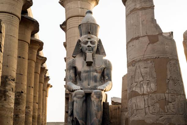 Rameses II statue, Temple of Luxor, Luxor, Egypt:スマホ壁紙(壁紙.com)