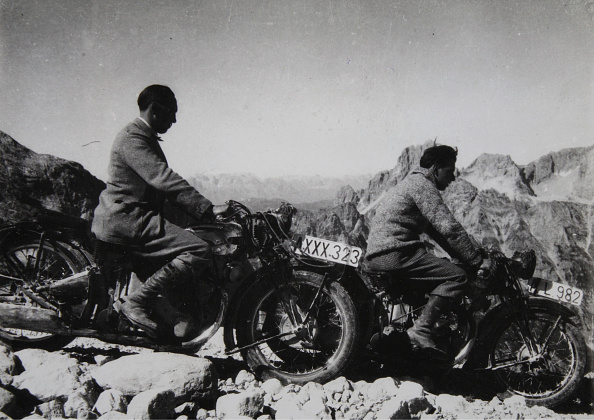 Mountain「Motorcyclists In The Mountains」:写真・画像(15)[壁紙.com]