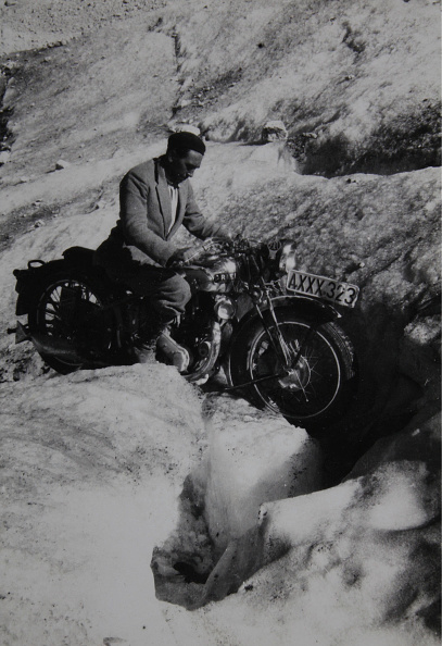 Dachstein Mountains「Motorcyclists In The Mountains」:写真・画像(16)[壁紙.com]