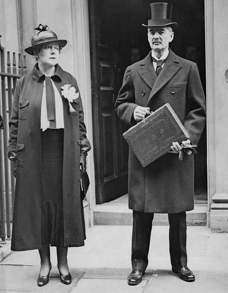 Finance「Neville And Anne Chamberlain」:写真・画像(19)[壁紙.com]