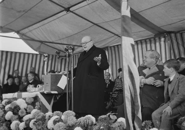 Speech「Winston Churchill And Family」:写真・画像(3)[壁紙.com]