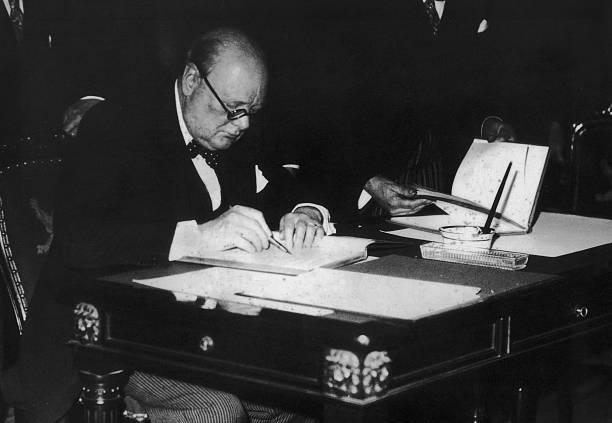 Winston Churchill:ニュース(壁紙.com)