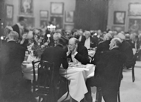 Drinking「Churchill At Banquet」:写真・画像(6)[壁紙.com]