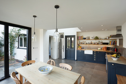 Kitchen「New kitchen and diner extension interior. Built onto the side of a listed historic building.」:スマホ壁紙(19)