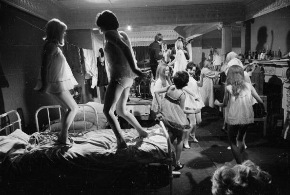 Dorm Room「Pyjama Party」:写真・画像(5)[壁紙.com]