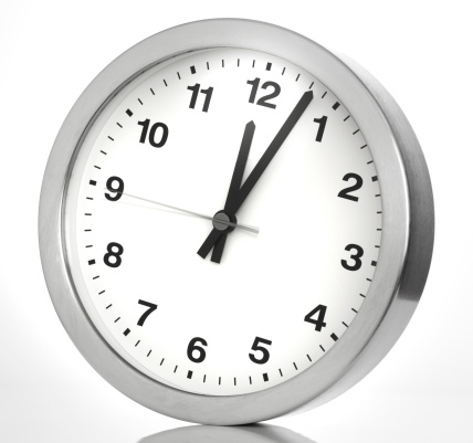 Midday「Kitchen clock on white backcground」:スマホ壁紙(15)