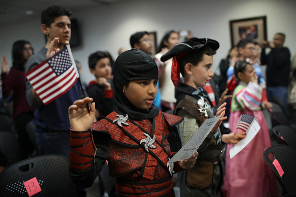 式典「Halloween-Themed Citizenship Ceremony Held For Children At Citizenship And Immigration Services DC Field Office」:写真・画像(0)[壁紙.com]