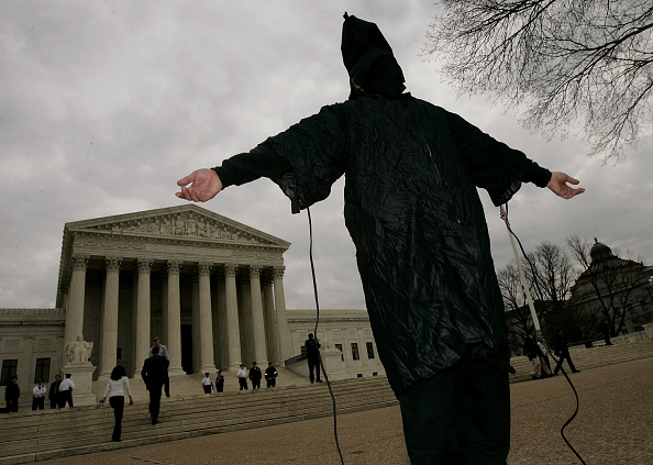 Overcast「Demonstrators Protest Bush Administration's International Human Rights Reco」:写真・画像(6)[壁紙.com]