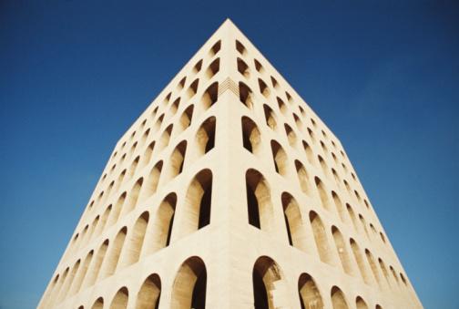 Alberto E「Italy, Rome, Palazzo della Civilta e del Lavoro exterior」:スマホ壁紙(0)