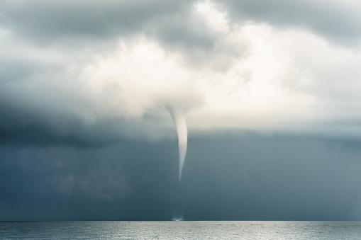Thunder「Extreme Weather : Typhoon Super Storm Tornado Cyclome Hurricane」:スマホ壁紙(16)