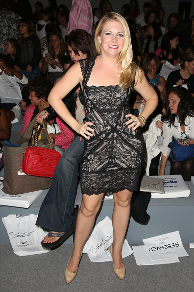 Striding「Strut: The Fashionable Mom Show - Front Row - Mercedes-Benz Fashion Week Spring 2014」:写真・画像(18)[壁紙.com]