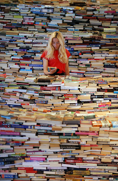 Book「Brazilian Artists Create Labyrinth Using 250,000 Books」:写真・画像(3)[壁紙.com]