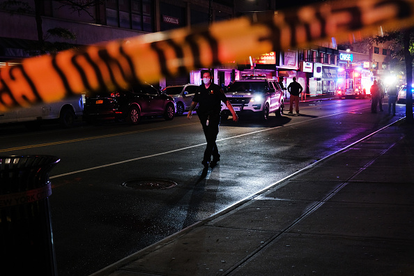 Brooklyn - New York「Two Police Officers Reportedly Rushed To Hospital After Shooting In Brooklyn」:写真・画像(12)[壁紙.com]