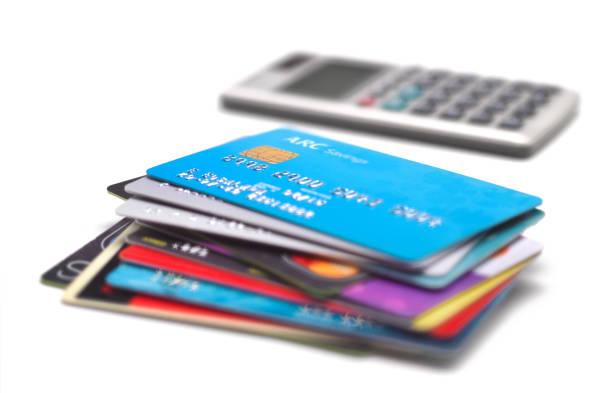 Pile of credit cards:スマホ壁紙(壁紙.com)