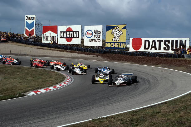 Motor Racing Track「Alan Jones, René Arnoux, Jacques Laffite,Carlos Reutemann, Grand Prix Of The Netherlands」:写真・画像(0)[壁紙.com]