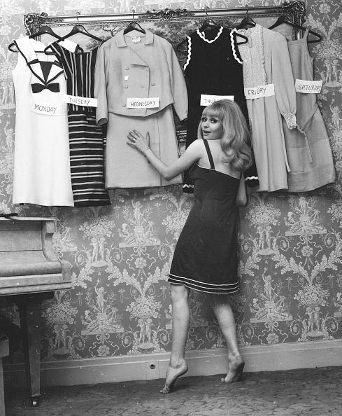 Fashion Model「Dress Parade」:写真・画像(1)[壁紙.com]